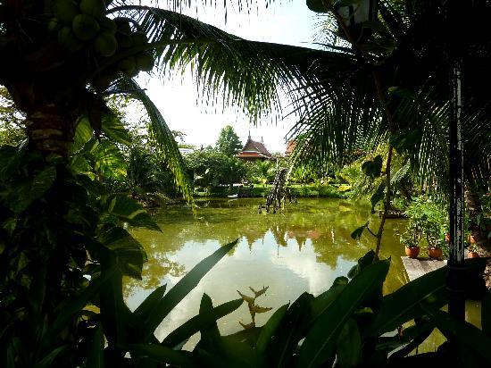บ้านไทยเฮาส์: A glimpse into paradise?