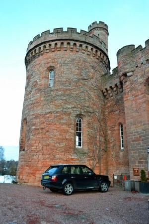 Dalhousie Castle: outside