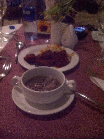 Juanita Hotel: My first meal. Peppersoup twas nice