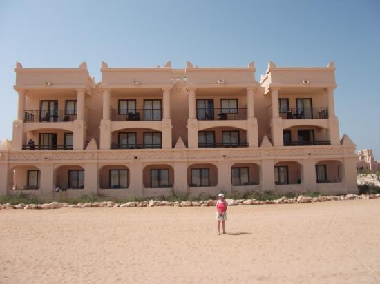 Hotel Riu Touareg: Riu Touareg, our 1st floor suite, 2nd from right.