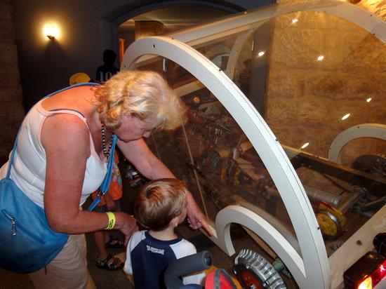 พิพิธภัณฑ์วิทยาศาสตร์ เทคโนโลยีและอวกาศแห่งชาติ: how do cars work