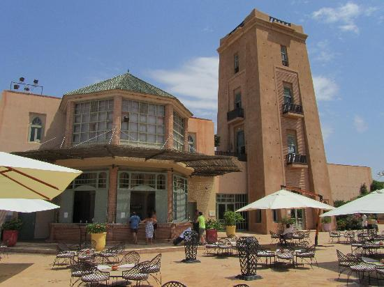 Club Med Marrakech La Palmeraie: Vue sur le bar extérieur