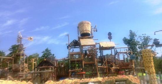 Six Flags Hurricane Harbor: Discovery Bay for small kids