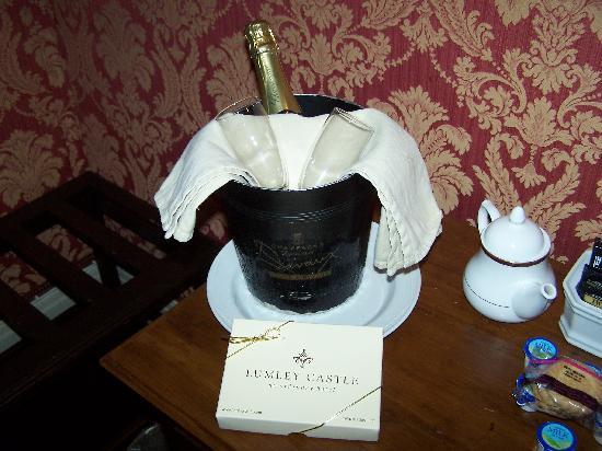 Lumley Castle Hotel: champagne & chocolates