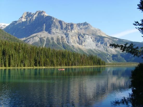Emerald Lake Lodge: Emerald Lake, Field BC