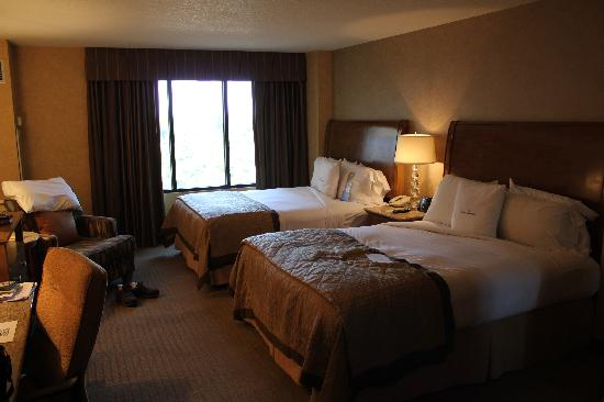 Rooms: Picture Of Doubletree Suites By Hilton Hotel