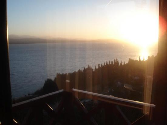 Catalonia Sur Aparts & Spa: amanecer en el lago