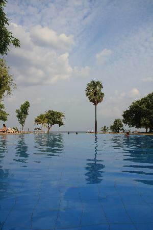 โรงแรมชายา บลู ทรินโคมาลี: Pool