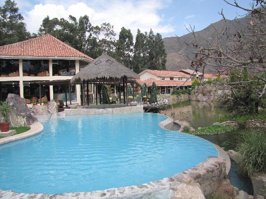 Aranwa Sacred Valley Hotel & Wellness: Two pools, with one heated
