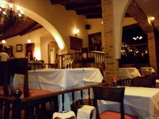 Migomis Piano Restaurant: the bar