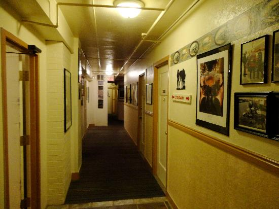Hotel Nevada: Hallway on the 5th floor