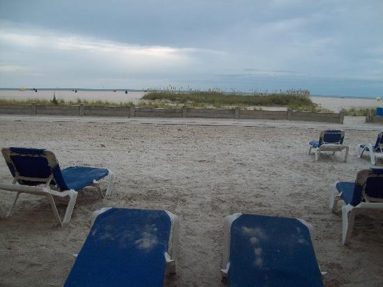 Bilmar Beach Resort: Looking outside from our room