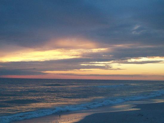 Bilmar Beach Resort: Sunset