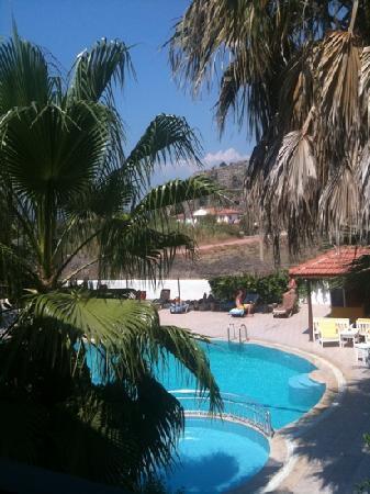 Villa Dolunay Apart Hotel: clean pool on arrival