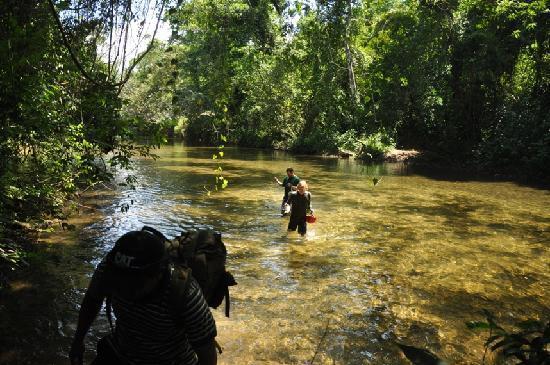 Actun Tunichil Muknal: Wading