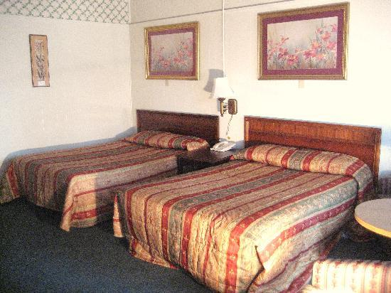 Crisfield Budget Inn: 2 doubles standard room
