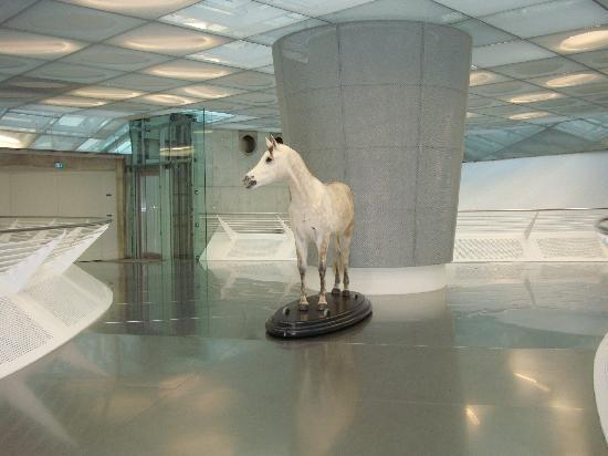 พิพิธภัณฑ์ยานยนต์ เมอร์เซเดส-เบนซ์: starting point