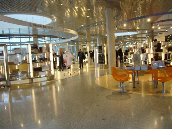 พิพิธภัณฑ์ยานยนต์ เมอร์เซเดส-เบนซ์: Shop