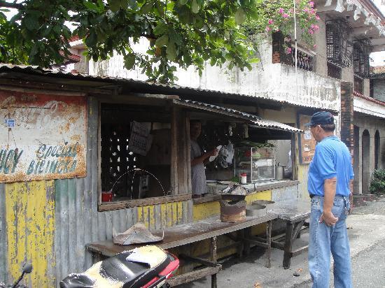 Aguinaldo Shrine: Where you can get really good bibingka