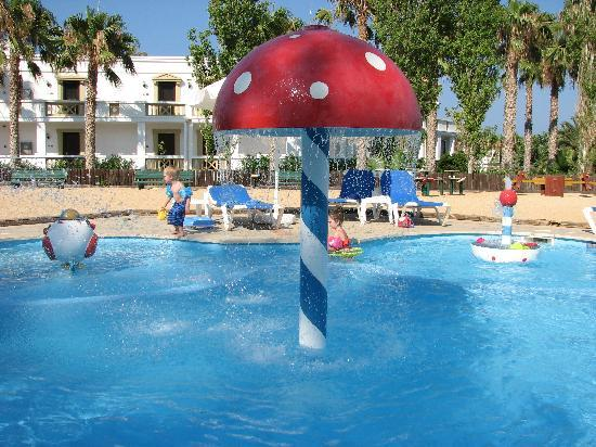 Aldemar Royal Mare Thalasso Resort: The children's pool