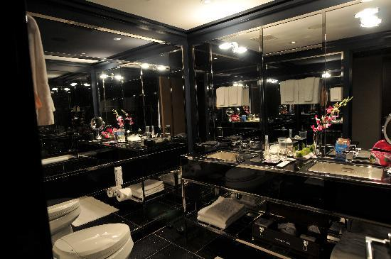 The Chatwal, A Luxury Collection Hotel, New York: Fantastic Bathroom