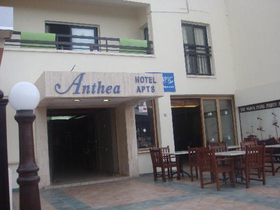 Anthea Hotel Apts: Entrance