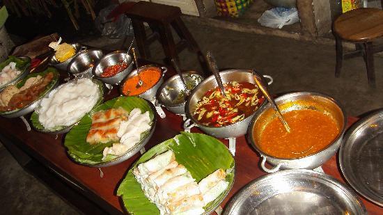 Nha Hang Ngon: The kitchen