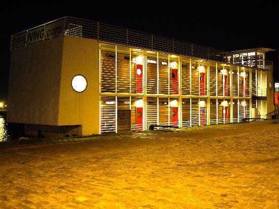 Hotel CPH Living: night hotel view