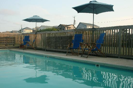 Nags Head Beach Inn: perfect after a day at the beach or an afternoon of cocktails