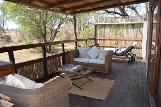 Notten's Bush Camp: Veranda Family Room