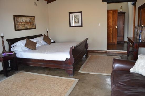 Notten's Bush Camp: Master Bedroom Family Suite