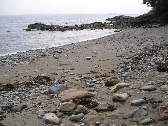 Beloin's on the Maine Coast: The rocky beach...wasn't so rocky.