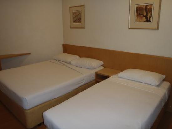 Hotel 81 - Sakura: トリプル利用は、ダブル+シングルベッド