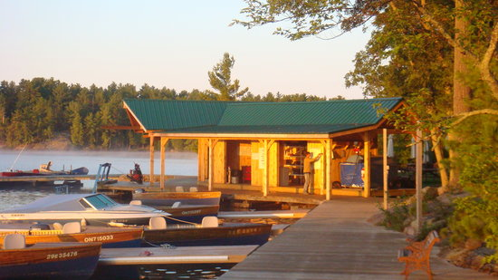 Chaudiere Lodge: New boat house