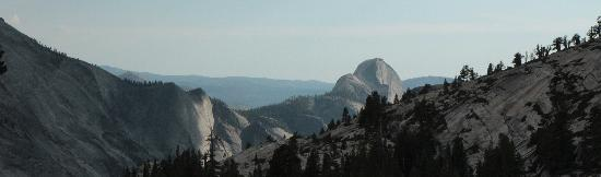 View into Yosemite Valley(2)
