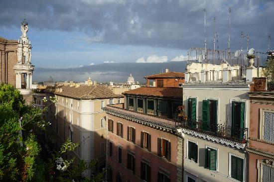 Hotel Concordia: Rooftop Views with St. Peters in the distance.