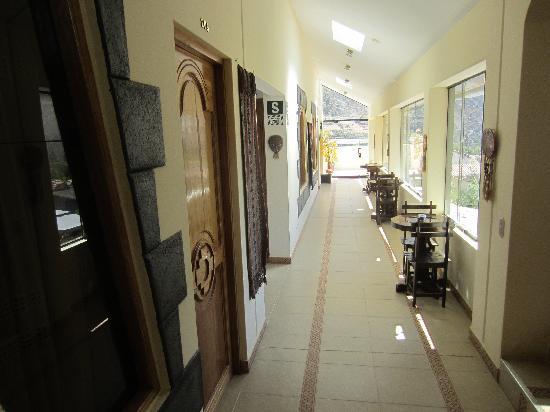 Ccapac Inka Ollanta Boutique Hotel: Hallway