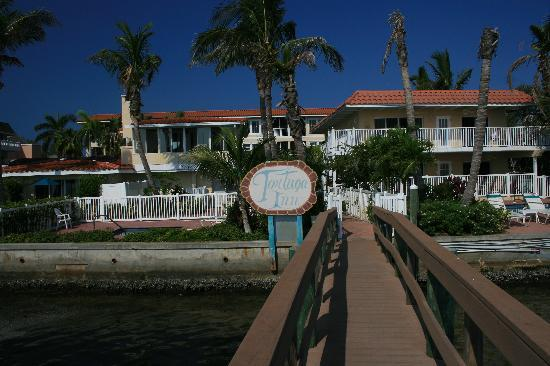 Tortuga Beach Resort: Bayfront Villas from the boat dock