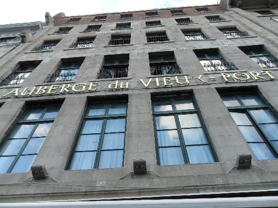 Auberge du Vieux-Port: front of hotel