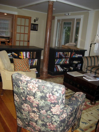 The Monhegan House: Front room/entrance