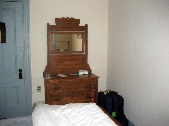 The Monhegan House: Bedroom view 2