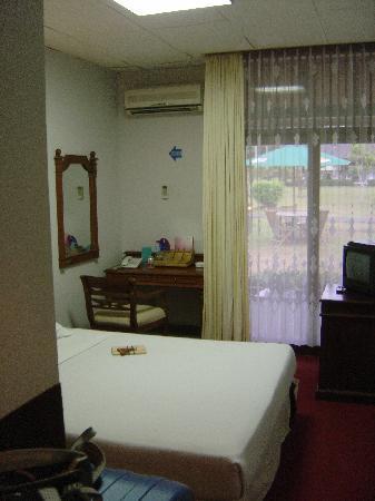 โรงแรมมาโนฮารา: 部屋は少し小さめです