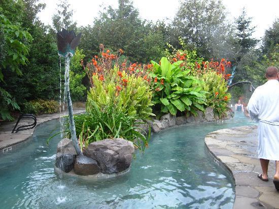 McMenamins Edgefield: Soaking Pool at Ruby's Spa