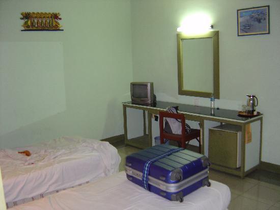 Rosani Hotel: シーツなどは清潔に保たれています