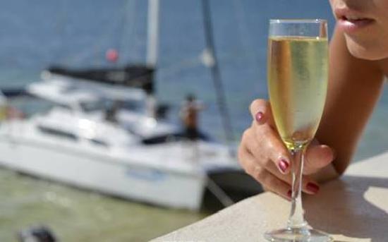 Desire Riviera Maya Resort : Шампанское хоть и Брют, но полусладкое