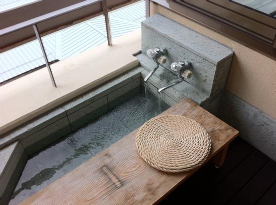 Hayamakan: 部屋にある足湯