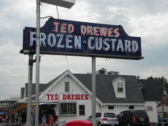 Ted Drewes Frozen Custard: classic sign