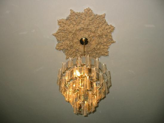Sorrel Weed House: Light fixture