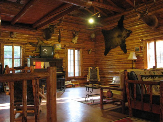 New Shoshone Lodge Outfitters