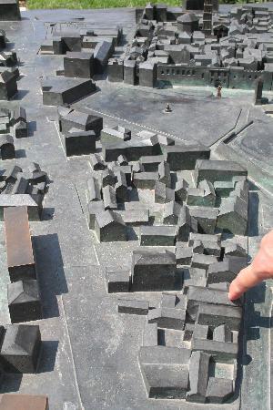 Dalmatian Villas: model of city and hotel location